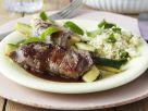 Kalbsröllchen mit Zucchini und Couscous Rezept
