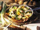 Kartoffelpfanne mit geräucherter Makrele und Senfsoße Rezept