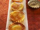 Kleine Limoncello-Tartes mit Karamellhaube Rezept