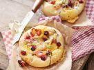 Kleine Pizzen mit Cranberries und Hähnchenbrust Rezept