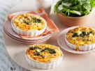 Kleine Spinat-Käse-Quiches Rezept