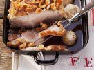 Knuspriger Schweinebraten und Semmelklößen Rezept