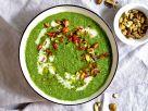 Kokos-Grünkohl-Süppchen mit Chili und Pistazien Rezept