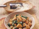 Kürbisgnocchi mit Blattspinat Rezept
