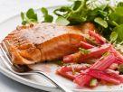 Lachs mit Rhabarbergemüse Rezept
