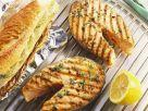Lachs vom Grill mit Knoblauchbrot Rezept