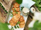 Lachsfrikadellen mit Kapern-Apfel-Sauce Rezept