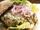 Lamm-Burger mit Käse und Zwiebeln Rezept