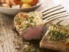 Lammkarree mit geschmortem Gemüse Rezept