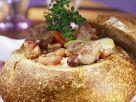 Lammragout im Brotlaib Rezept