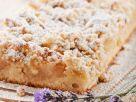 Lavendel-Apfelkuchen mit Streuseln Rezept