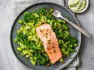 Limetten-Pistazien-Lachs mit grünem Gemüse Rezept