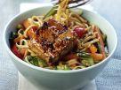 Marinierter Tofu mit Gemüse und Asia-Nudeln Rezept