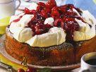 Marmorkuchen mit Schlagsahne und Kirschen Rezept