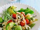 Meeresfrüchtesalat mit Gemüse Rezept