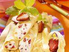 Mit Erdbeercreme gefüllte Pfannkuchen Rezept
