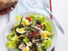 Nizzasalat mit Thunfisch, Oliven und Eiern Rezept