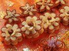 Nougat-Blumen-Plätzchen Rezept