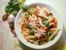 Nudeln mit Tomaten und Zucchini Rezept