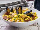 Nudelpfanne mit Meeresfrüchten mit Wurst Rezept