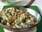 Nudelpfanne mit Rucola und Hähnchenbrust Rezept