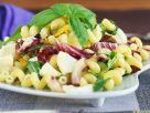 Nudelsalat mit Blattsalat mit Mozzarella Rezept