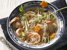 Nudelsuppe auf asiatische Art mit Shrimps und Lychees Rezept