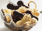 Nuss-Löffelbiskuits mit Schokoladenglasur Rezept
