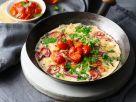 Omelett mit Zwiebel, Koriander und Tomatenchutney Rezept