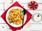 Orientalische Reis-Gemüse-Pfanne mit Kichererbsen und Minzdip Rezept