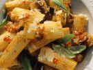 Pasta mit Aubergine und Basilikum Rezept