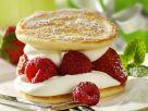 Pfannkuchen mit Beeren und Sahne Rezept