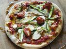 Pizza mit Spargel Kräuterseitlingen und Ziegenkäse Rezept