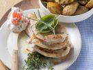 Putenschnitzel mit gebackenen Kartoffeln Rezept