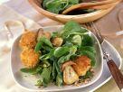 Rapunzelsalat mit Steinpilzen und paniertem Ziegenkäse Rezept