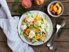Reis-Fenchel-Salat mit Burrata, gebratenen Pfirsichen und frischen Kräutern Rezept
