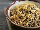 Reispfanne mit braunen Linsen und Zwiebeln Rezept