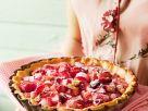 Rhabarberkuchen mit Beeren Rezept