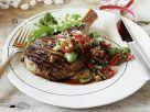 Rib Eye Steak vom Grill mit Salsa aus Mandeln und Paprika Rezept