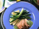 Rinderfilet mit Kräutersauce und grünem Spargel Rezept