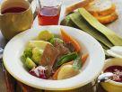 Rindfleisch mit buntem Gemüse und Rote-Bete-Soße Rezept