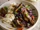 Rindfleisch-Stirfry mit Gemüse und asiatischen Nudeln Rezept