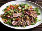 Rindfleischsalat mit Erdnusskernen Rezept