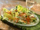 Römersalat mit roten Linsen, Porree, Äpfeln und Walnusskernen Rezept