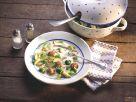 Rosenkohlsuppe mit Fleischklößchen Rezept