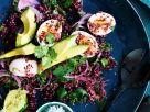 Rote-Bete-Quinoa-Salat mit Avocado und Eiern Rezept