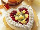 Sahne-Herztorte mit Früchten Rezept
