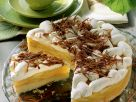 Sahnetorte mit Apfelfüllung und Schokohobeln Rezept