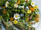 Salat aus Frühlingskräutern und Frittata Rezept