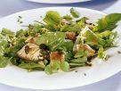 Salat aus Kräutern, Austernpilzen und Kürbiskernen Rezept